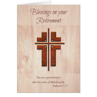 Sacerdote de las bendiciones del retiro, cruz en tarjeta de felicitación