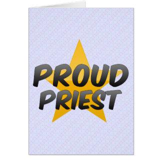 Sacerdote orgulloso felicitacion
