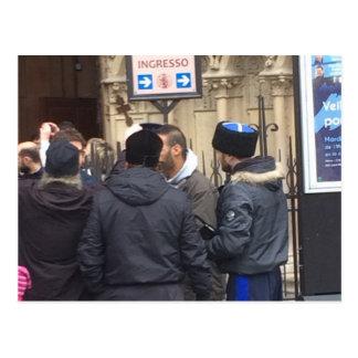Sacerdote ortodoxo ruso fuera de París Notre Dame Postal