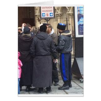 Sacerdote ortodoxo ruso fuera de París Notre Dame Tarjeta De Felicitación