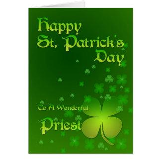 Sacerdote, tarjeta del día de St Patrick feliz