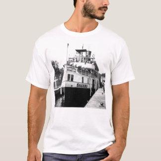 Sagamo en el puerto Carling PhotoCard Camiseta