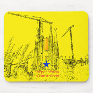 Sagrada Estelada: Independencia en construccio Alfombrilla De Ratón