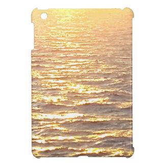 Salida del sol de oro de la hora del océano