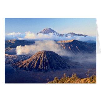 Salida del sol en el soporte Bromo, Java, Indonesi Tarjeton