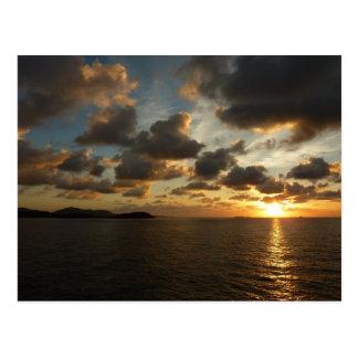 Salida del sol en las Islas Vírgenes de St Thomas Postal