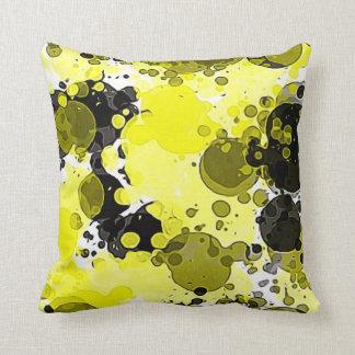Salpicadura amarilla y negra abstracta moderna de cojín decorativo