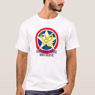 Saludando a los que sirven camiseta