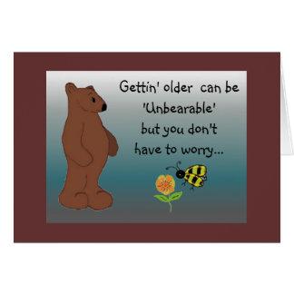 Saludo chistoso del cumpleaños del oso tarjeta de felicitación