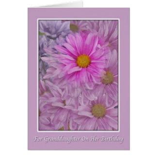 Saludo del cumpleaños de la nieta con las tarjeta de felicitación