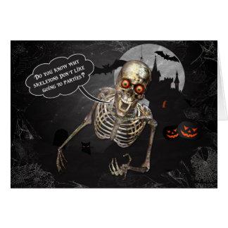 Saludo divertido del esqueleto el | Halloween Tarjeton