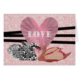 Saludo rosado del corazón de los cisnes ostentosos tarjetas