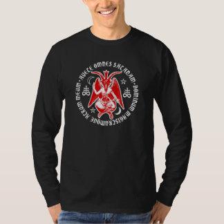 Saludo Satan Baphomet con las cruces satánicas Camiseta