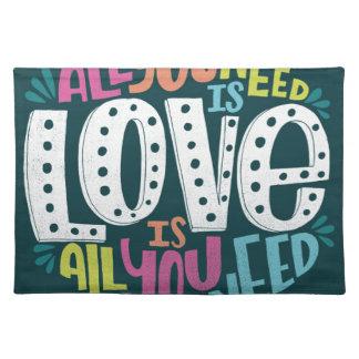 SALVAMANTELES 0032-ALL-YOU-NEED-IS-LOVE-01