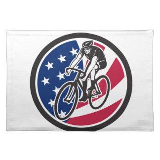 Salvamanteles Ciclista americano que completa un ciclo el icono