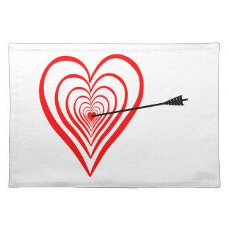 Salvamanteles Corazón blanco con flecha