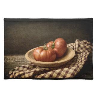 Salvamanteles Dos tomates rojos en un cuenco