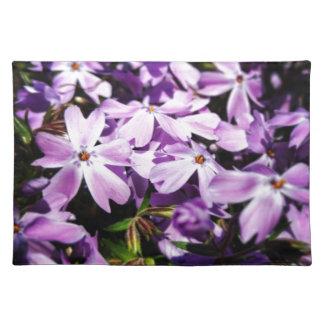 Salvamanteles El remiendo púrpura de la flor