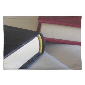 Salvamanteles La segunda mano reserva con las páginas en blanco