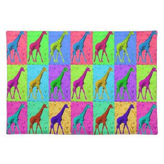 Salvamanteles Los paneles de la jirafa del arte pop que caminan