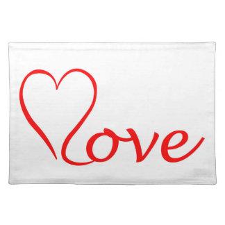 Salvamanteles Love corazón en fondo blanco