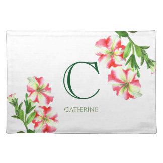 Salvamanteles Monograma floral de las petunias rosadas y blancas