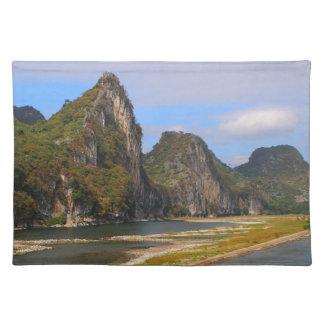 Salvamanteles Montañas a lo largo del río de Li, China