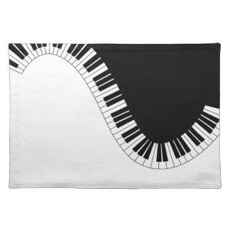 SALVAMANTELES MÚSICA DEL PIANO