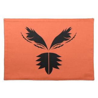 Salvamanteles Negro de las alas en el naranja