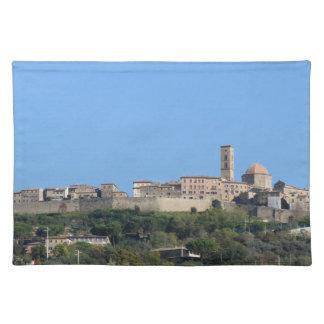 Salvamanteles Panorama del pueblo de Volterra, provincia de Pisa