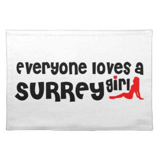Salvamanteles Todos ama a un chica de Surrey