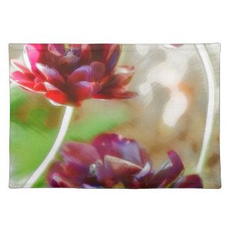 Salvamanteles Trío floreciente del tulipán del Peony oscuro de