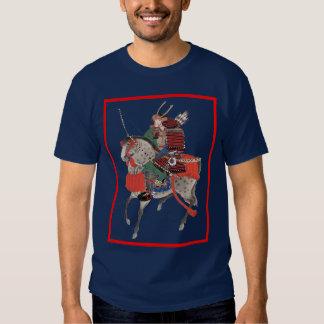 samurai en la parte posterior del caballo camisetas