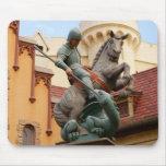 San Jorge y el dragón Alfombrillas De Raton