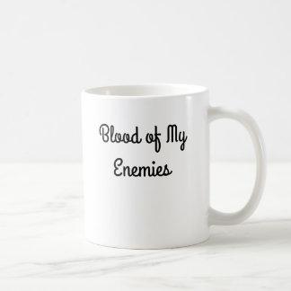 Sangre de mi taza de café de los enemigos