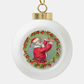Santa en una guirnalda adorno