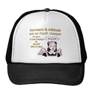 Sarcasmo y actitud más baratos que terapia y gorros bordados