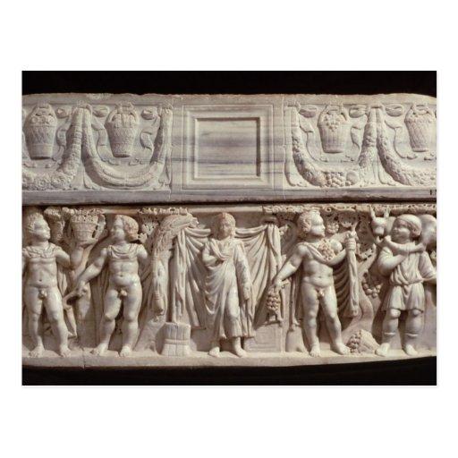 Sarcófago que representa el difunto postales