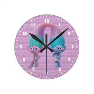 Satén y felpilla de los duendes el | reloj redondo mediano