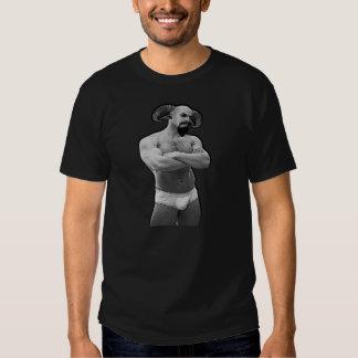 Sátiro en camiseta de los escritos II