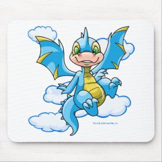 Scorchio azul con su cabeza en las nubes alfombrilla de ratón