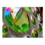 Scupture verde refleja el vidrio tarjeta postal