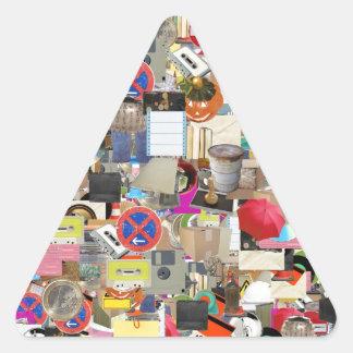 Se opone el collage pegatina triangular