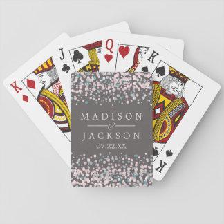Se ruboriza el favor rosado del boda del confeti barajas de cartas