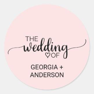 Se ruboriza el sello rosado del sobre del boda de
