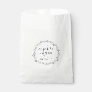 Se ruboriza y el boda floral botánico sabio bolsa de papel