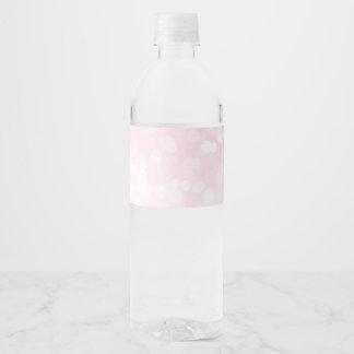 Se ruborizan las etiquetas rosadas de la botella