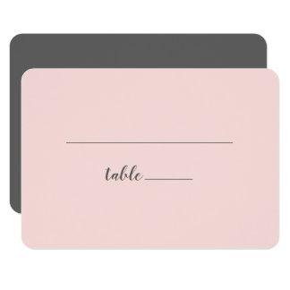 Se ruborizan las tarjetas grises rosadas del lugar