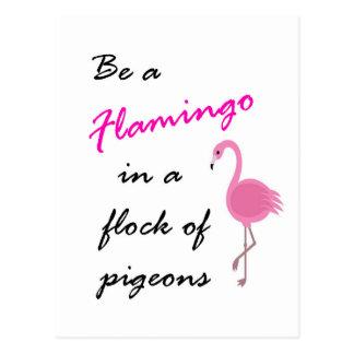 Sea un flamenco en una multitud de la postal de