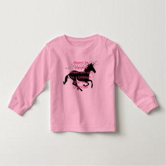 Sea un unicornio camisas